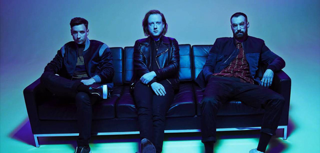 Two Door Cinema Club na Orange Warsaw Festival