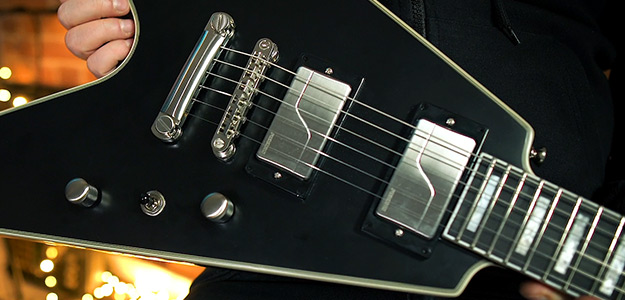Test: Epiphone Prophecy Flying V Black Aged Gloss