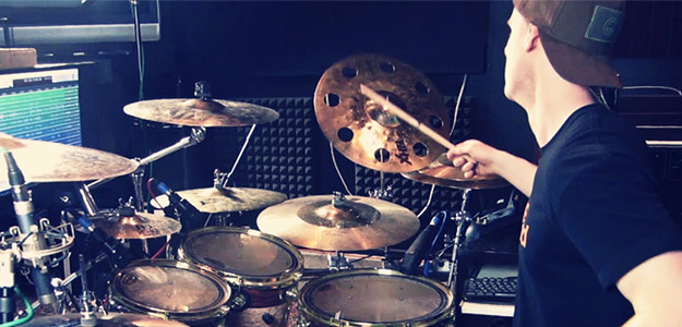 "Liam Manley (Uncured) prezentuje video tutorial do ""Stygian Pit"""
