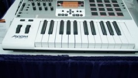 NAMM 2013: M-Audio Axiom Air 25 | UniqueSquared.com